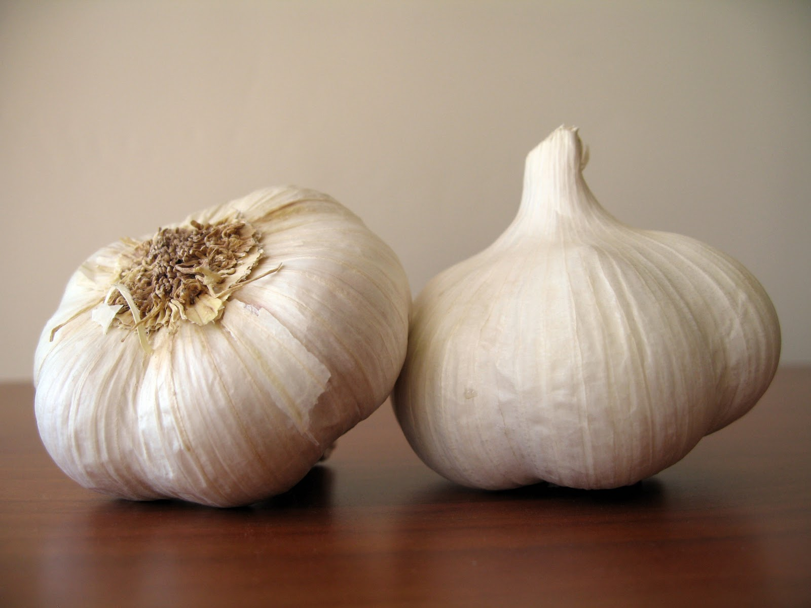 4 Easy Ways to Use Garlic in Your Meals - Dish by Dish